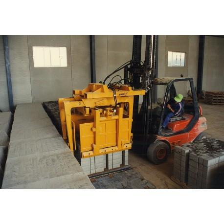 Dispozitiv de prindere pentru motostivuitor STAZ-S 4-1000